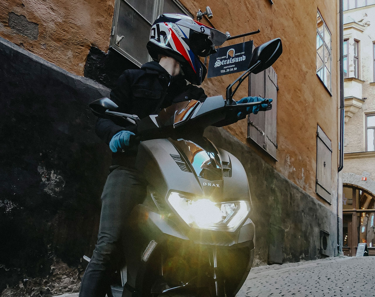 Drax Storm Mattsvart Moped