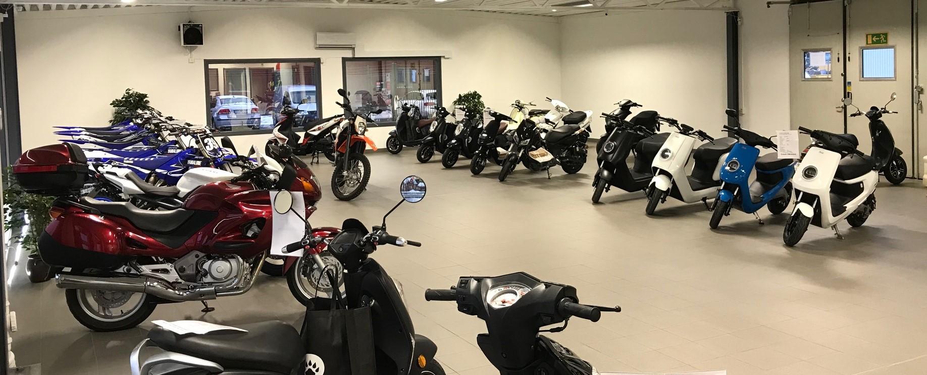 Hitta butik   Köp en scooter 332b584a2b9cb